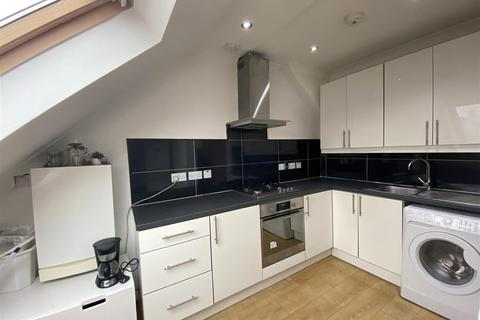 2 bedroom house to rent - The Approach, London