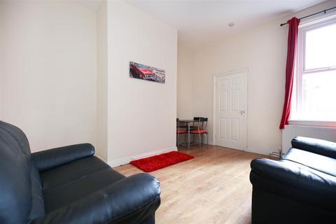 2 bedroom flat to rent - Biddlestone Road, Heaton, Ne6