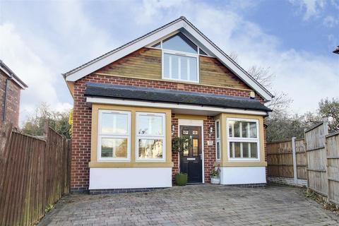 3 bedroom detached bungalow for sale - Taunton Road, West Bridgford, Nottinghamshire, NG2 6EW