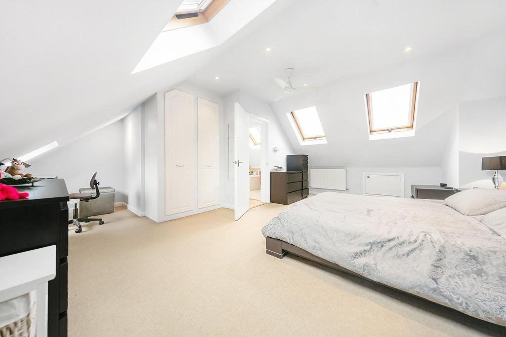 Top Floor Bedroom (2).jpg