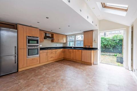 3 bedroom terraced house for sale - Broughton Road, Fulham, London, SW6