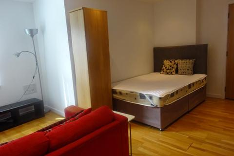 Studio to rent - Gateway East