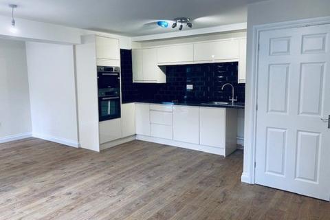 Studio to rent - Dyer Street, Cirencester