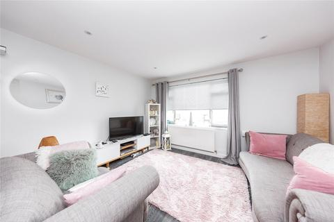 2 bedroom apartment - Haig Court, Chelmsford, CM2