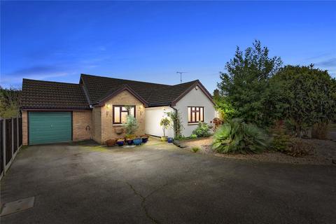 3 bedroom detached bungalow for sale - Twin Oaks, Chelmer Village, Essex, CM2