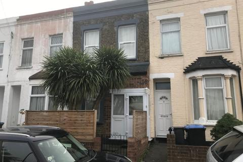2 bedroom terraced house - Scotland Green Road, EN3