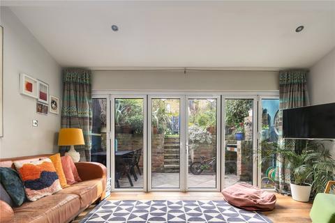 3 bedroom flat for sale - Cephas Avenue, Stepney, London, E1