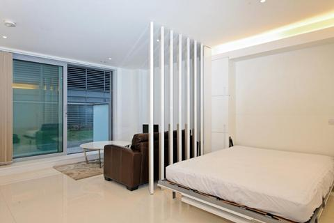 Studio - Pan Peninsula East, Pan Peninsula Square, Canary Wharf, London, E14