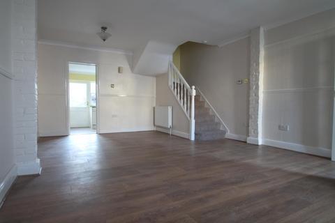 3 bedroom terraced house to rent - East Terrace, Gravesend, DA12 2DB