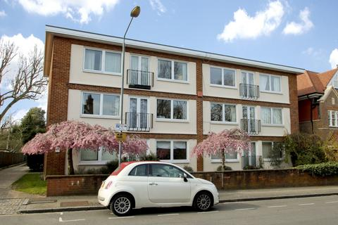 2 bedroom flat - Liskeard Gardens, Blackheath, SE3