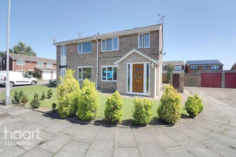 3 bedroom semi-detached house for sale - Bembridge Gardens, Luton