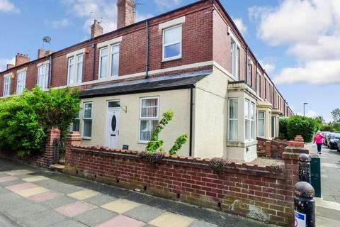 2 bedroom ground floor flat to rent - Cromwell Terrace, North Shields, Tyne and Wear, NE29 0PA