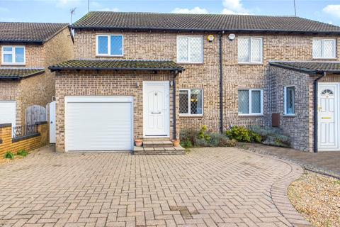 3 bedroom semi-detached house to rent - Sweet Briar Drive, Calcot, Reading, RG31