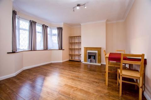 3 bedroom semi-detached house to rent - Crest Gardens, Ruislip, Middlesex