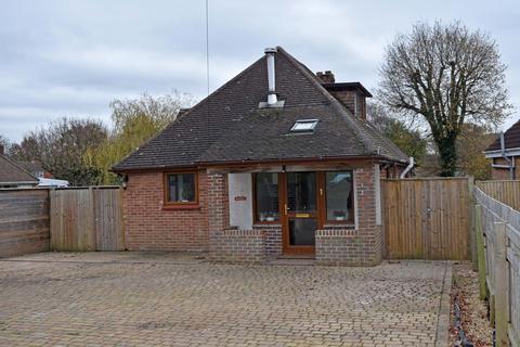 3 bedroom detached bungalow for sale - St Cuthberts Lane, Locks Heath SO31