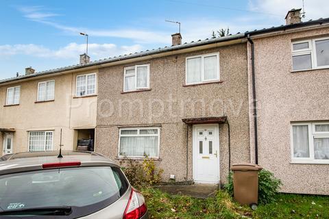 2 bedroom terraced house - Beadlow Road, Luton LU4