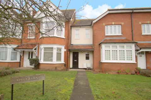 1 bedroom flat - Abbey Lodge, Gresham Road, Staines-Upon-Thames, TW18