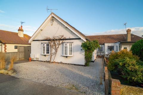 3 bedroom detached bungalow for sale - Pier Avenue, Tankerton, Whitstable