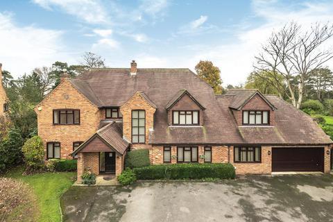 6 bedroom detached house for sale - Bentley Park, Burnham, SL1
