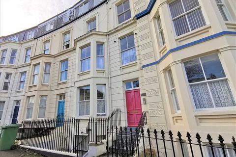 2 bedroom apartment for sale - Kensington Court, Crown Crescent