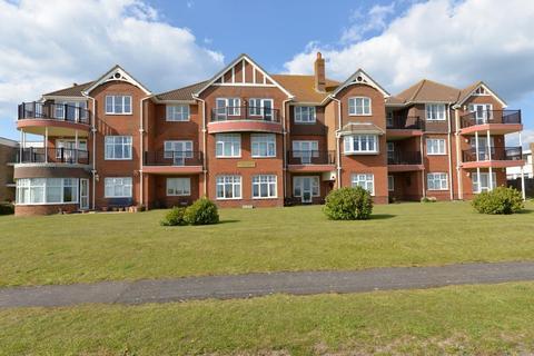 2 bedroom apartment for sale - Marine Drive, Barton On Sea, New Milton