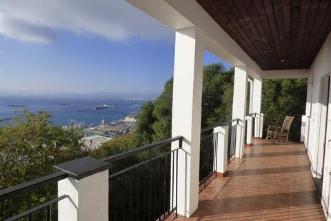 4 bedroom house - Other South District, Gibraltar