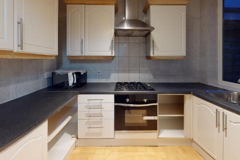 3 bedroom terraced house to rent - Lyveden Road, London SW17