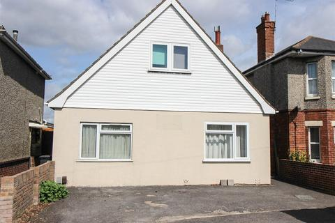 5 bedroom detached house to rent - Columbia Road, Bournemouth, BH10
