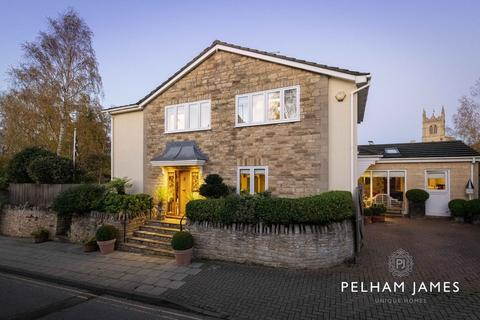4 bedroom detached house for sale - Wothorpe Road, Stamford