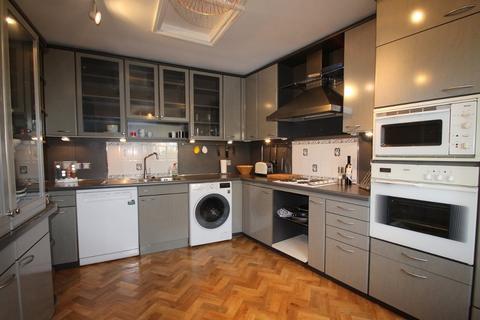 2 bedroom flat to rent - Cudnall Street, Charlton Kings, Cheltenham