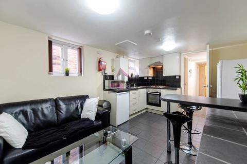 2 bedroom flat to rent - Bolton Road, Salford, Manchester