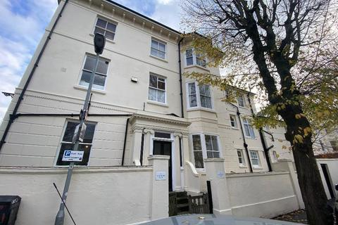 Studio to rent - Buckingham Place, Brighton, East Sussex, BN1 3RP