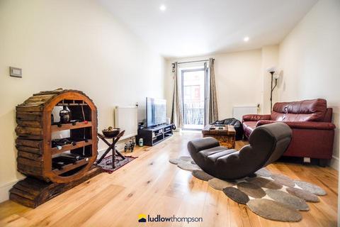 2 bedroom flat to rent - Jude Street, London E16