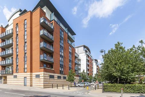 3 bedroom apartment to rent - McFadden Court, Leyton