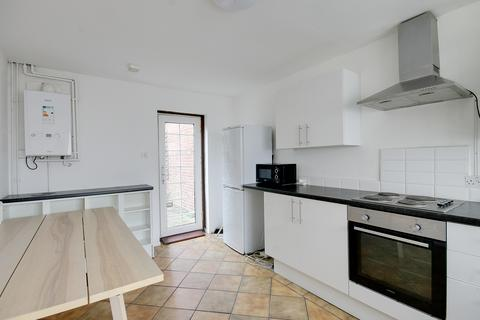 4 bedroom detached house to rent - Finnis street, Bethnal Green