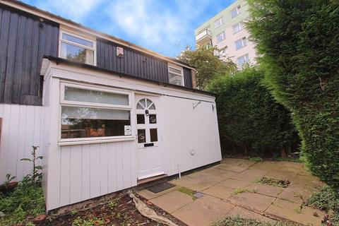 3 bedroom terraced house - Hall Street, Walsall