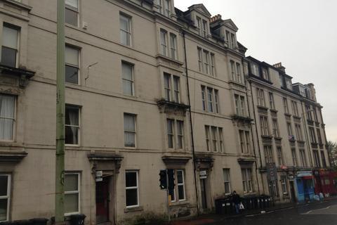 2 bedroom flat - G/2, 93 Arbroath Road, Dundee, DD4 6HJ