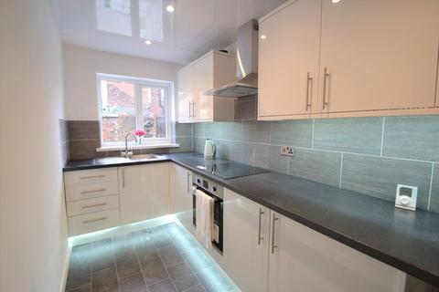 2 bedroom terraced house to rent - Raymond Street, Manchester