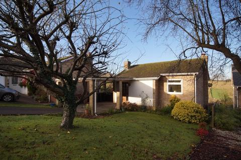 3 bedroom detached house for sale - Wychwood Rise, Great Missenden, HP16