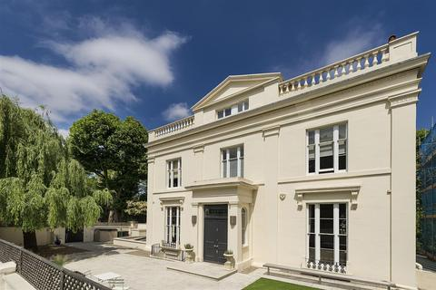 6 bedroom semi-detached house for sale - Warwick Avenue, Little Venice, London, W2