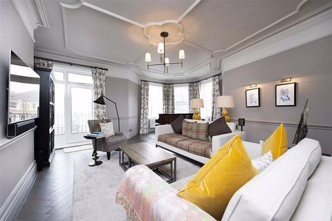 5 bedroom flat for sale - Arkwright Road, Hampstead, London