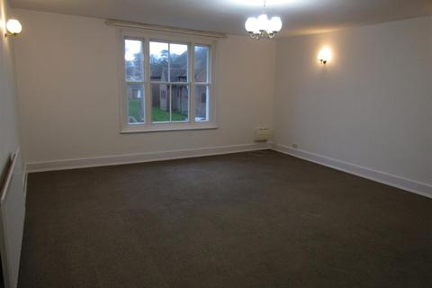 2 bedroom flat to rent - Cooden Sea Road, Bexhill-On-Sea