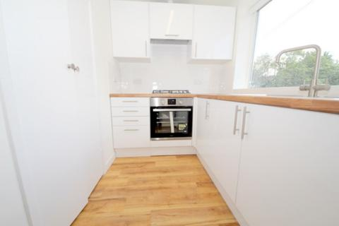 1 bedroom apartment - Holtwhites Hill, Enfield, EN2