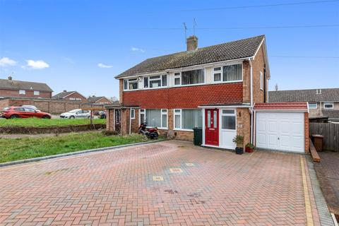 3 bedroom semi-detached house for sale - Cradlebridge Drive, Willesborough, Ashford