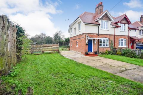 3 bedroom cottage for sale - Hall Road, Southminster