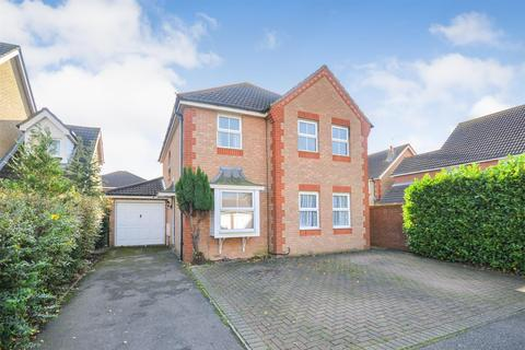 4 bedroom detached house for sale - Lavender Drive, Southminster