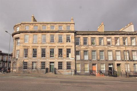 4 bedroom flat to rent - Leopold Place