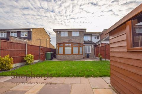 5 bedroom semi-detached house - Lammasmead, Broxbourne, Hertfordshire, EN10