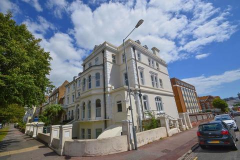 1 bedroom flat to rent - The Avenue, Eastbourne