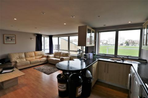 3 bedroom flat for sale - Eaton Road, Hove